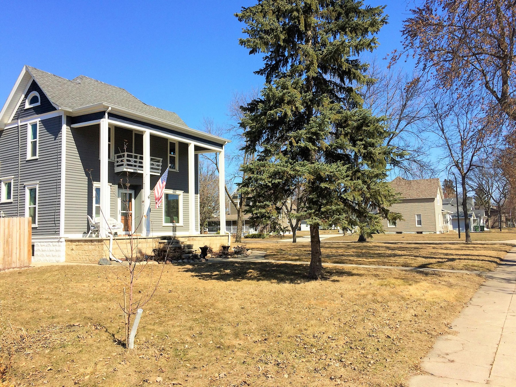 125 7th Street, Brookings, SD 57006