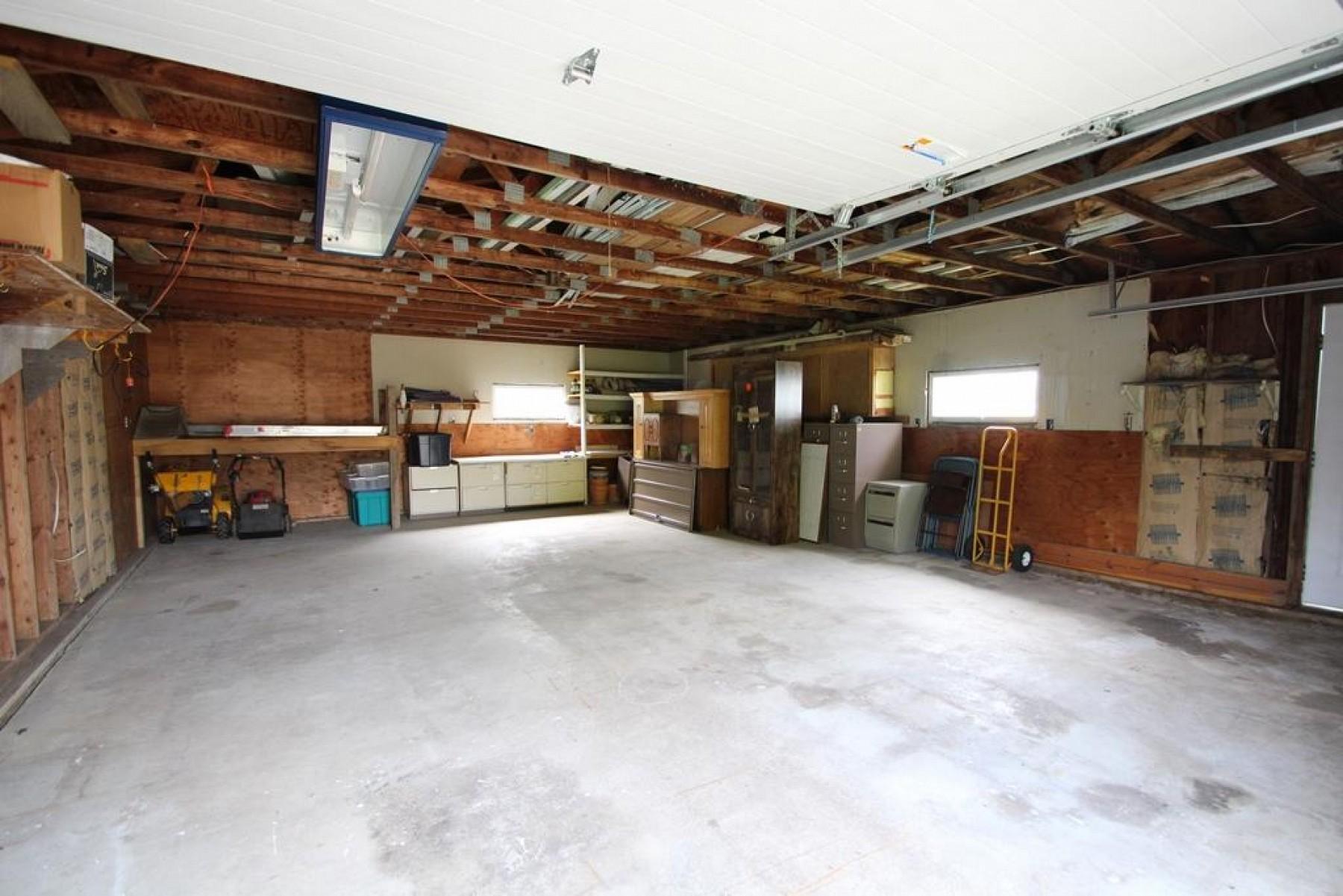 210 MadisonAvenue, Aurora, SD 57002