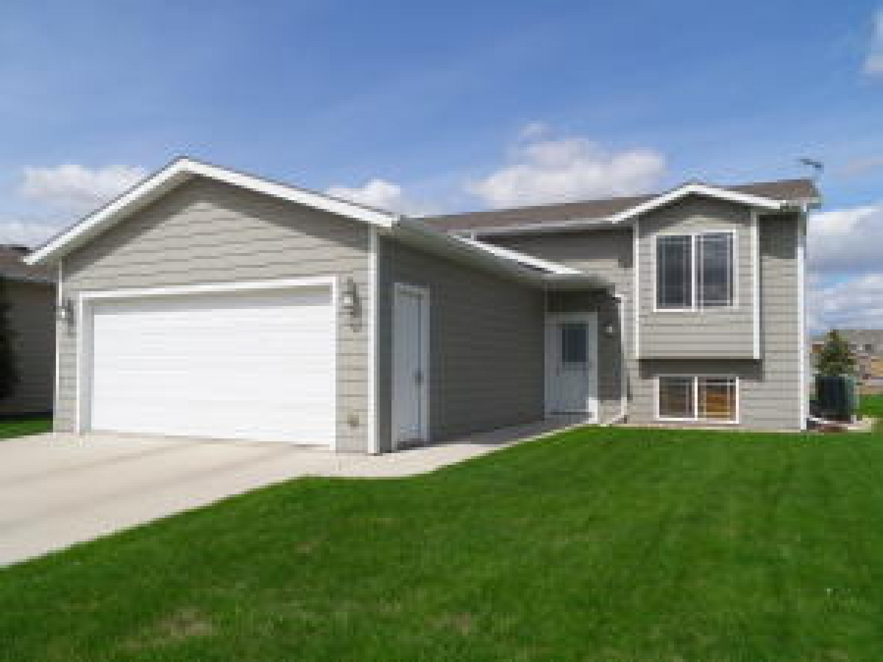 1733 Torrey Pines Drive, Brookings, SD 57006