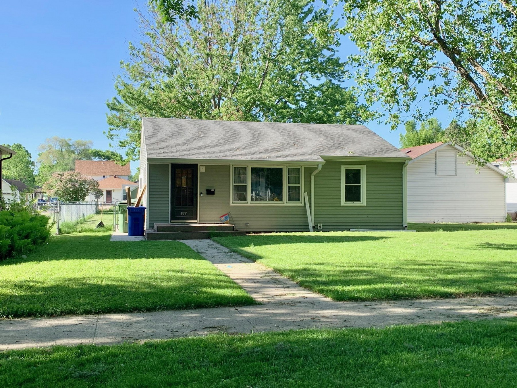 923 2nd Street, Brookings, SD 57006