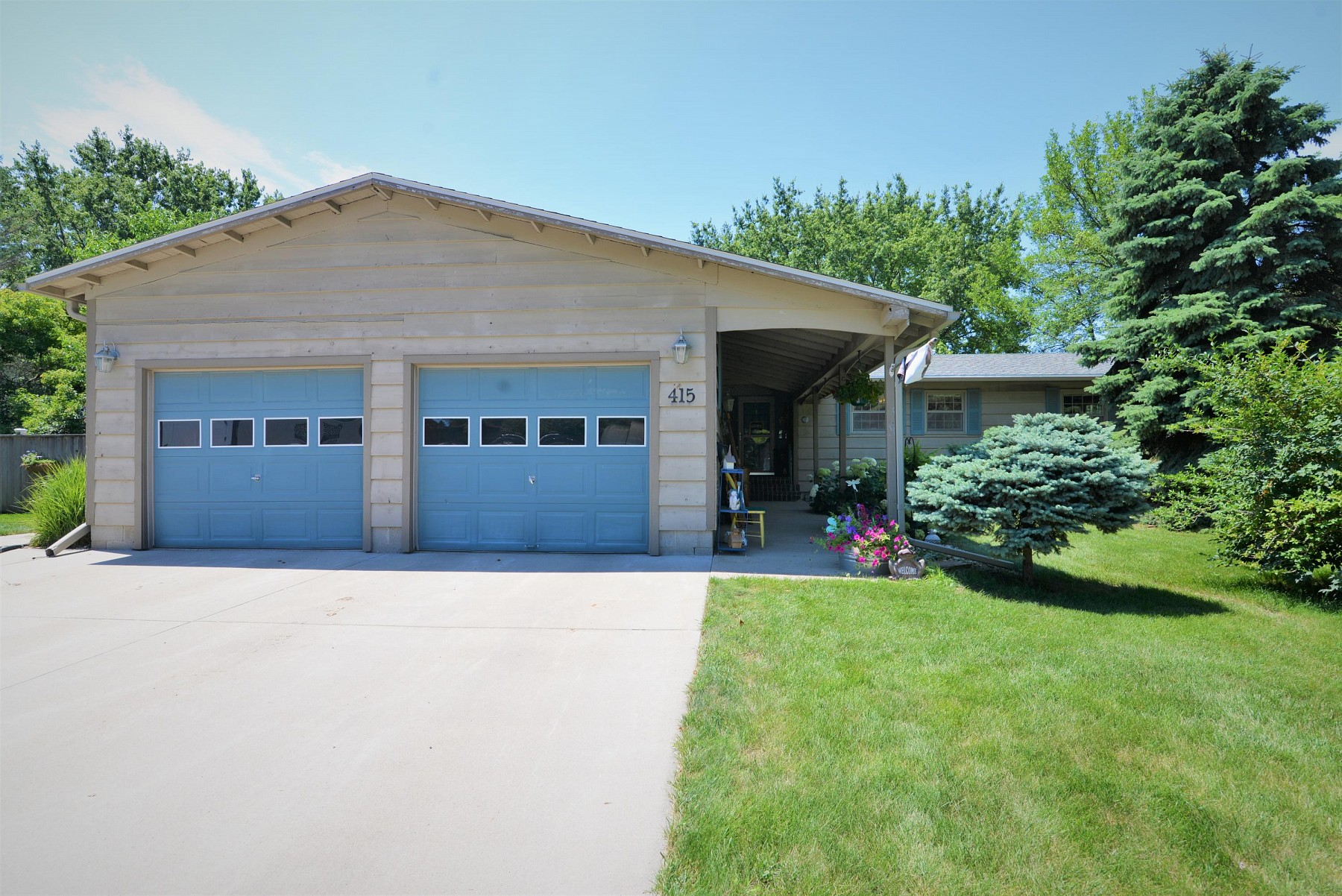 415 21st Avenue, Brookings, SD 57006