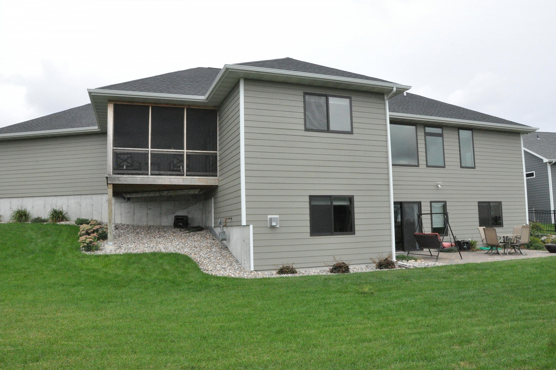 1208 Summit Circle, Brookings, SD 57006