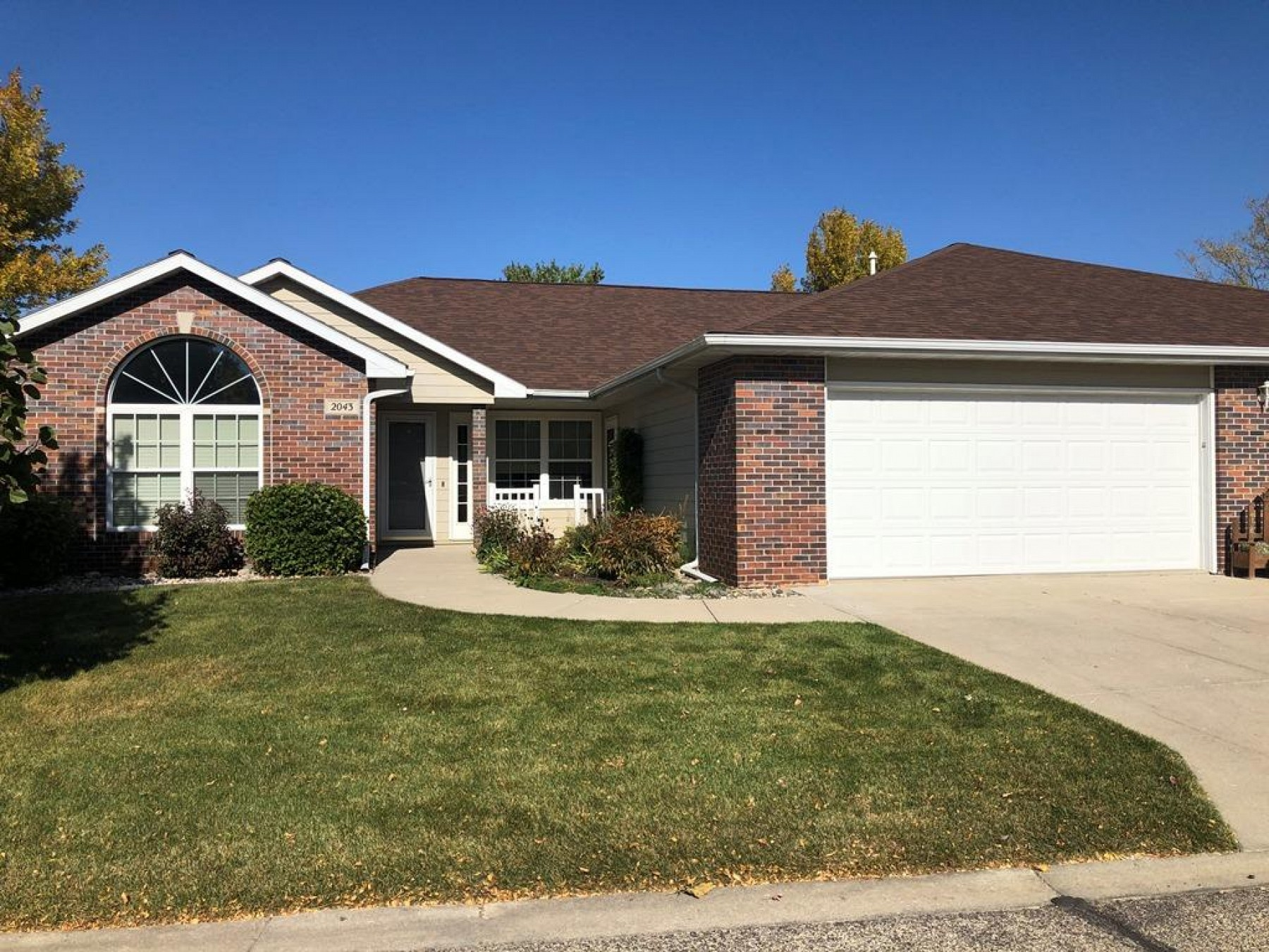 2043 Monarch Lane, Brookings, SD 57006