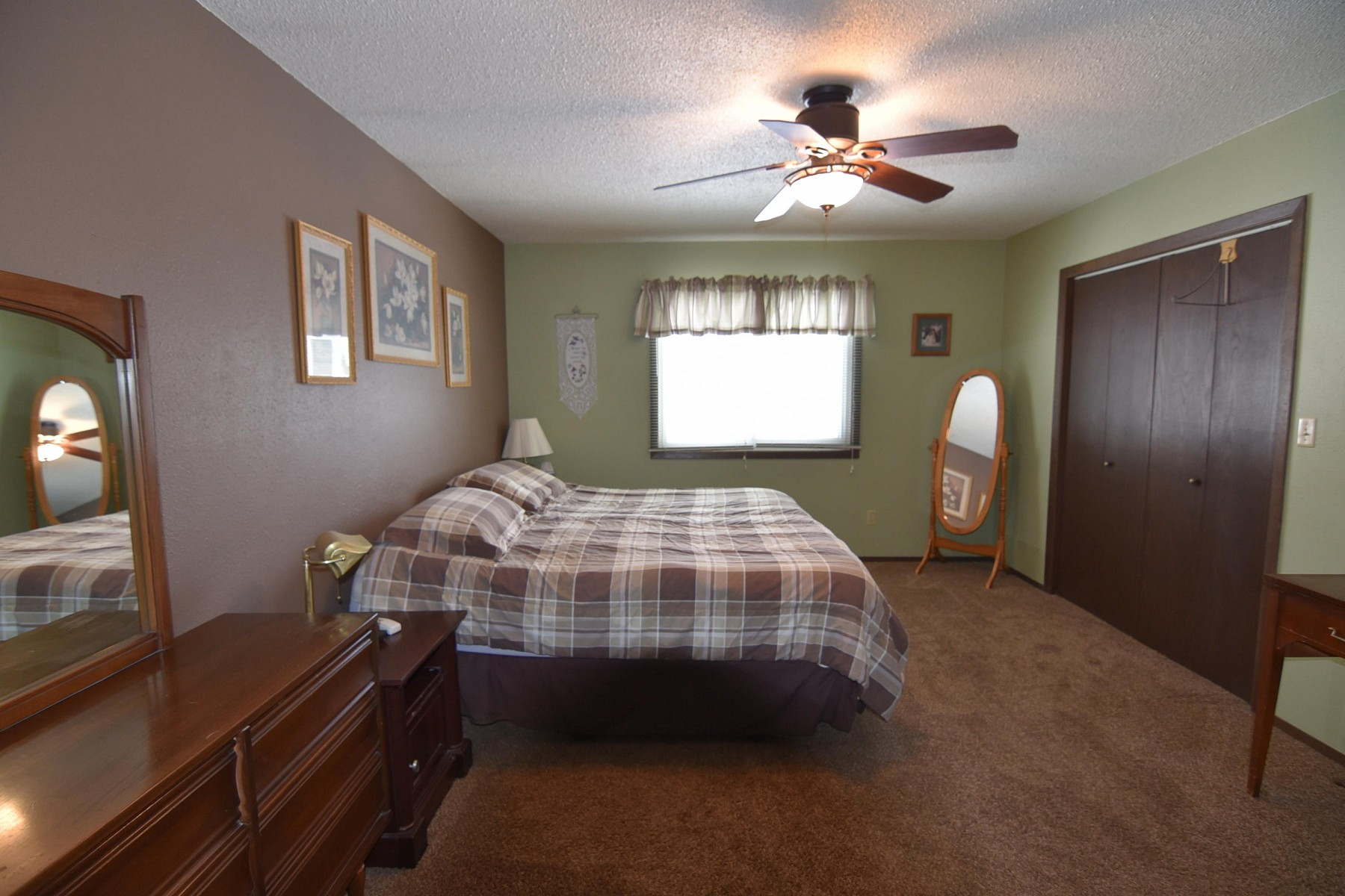 1937 OrchardDrive, Brookings, SD 57006