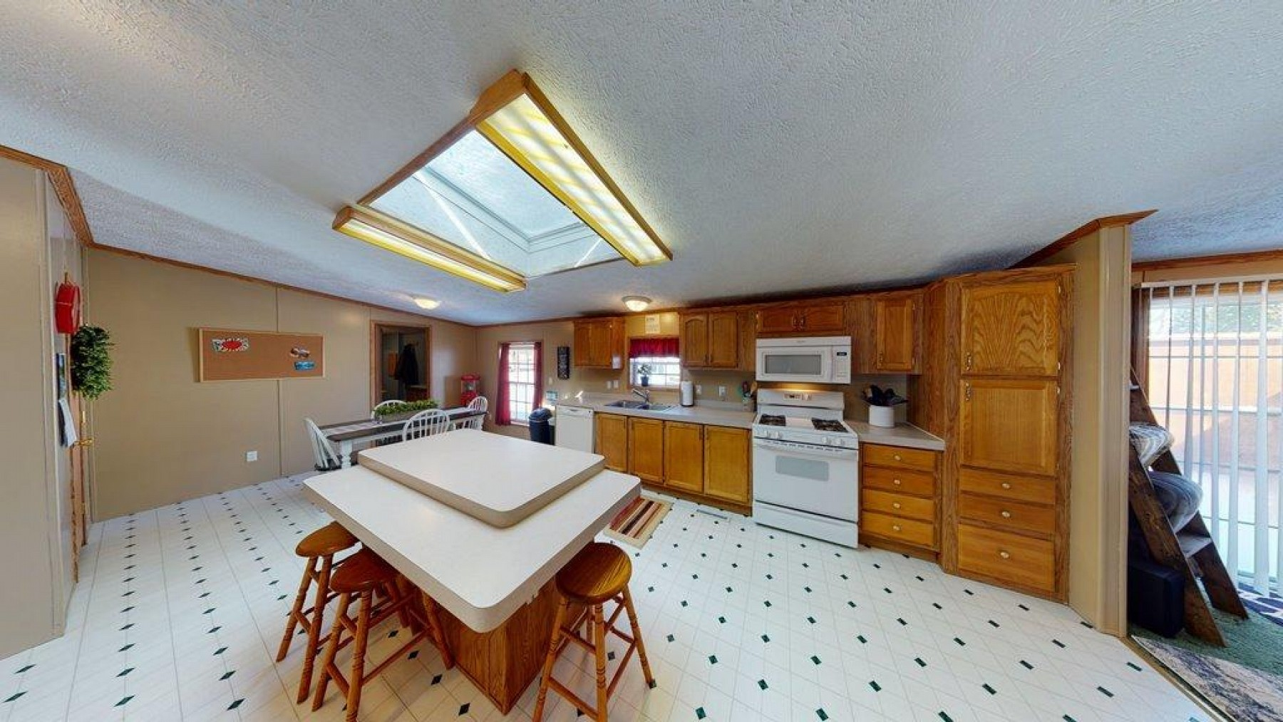 619 6th Avenue S, Brookings, SD 57006