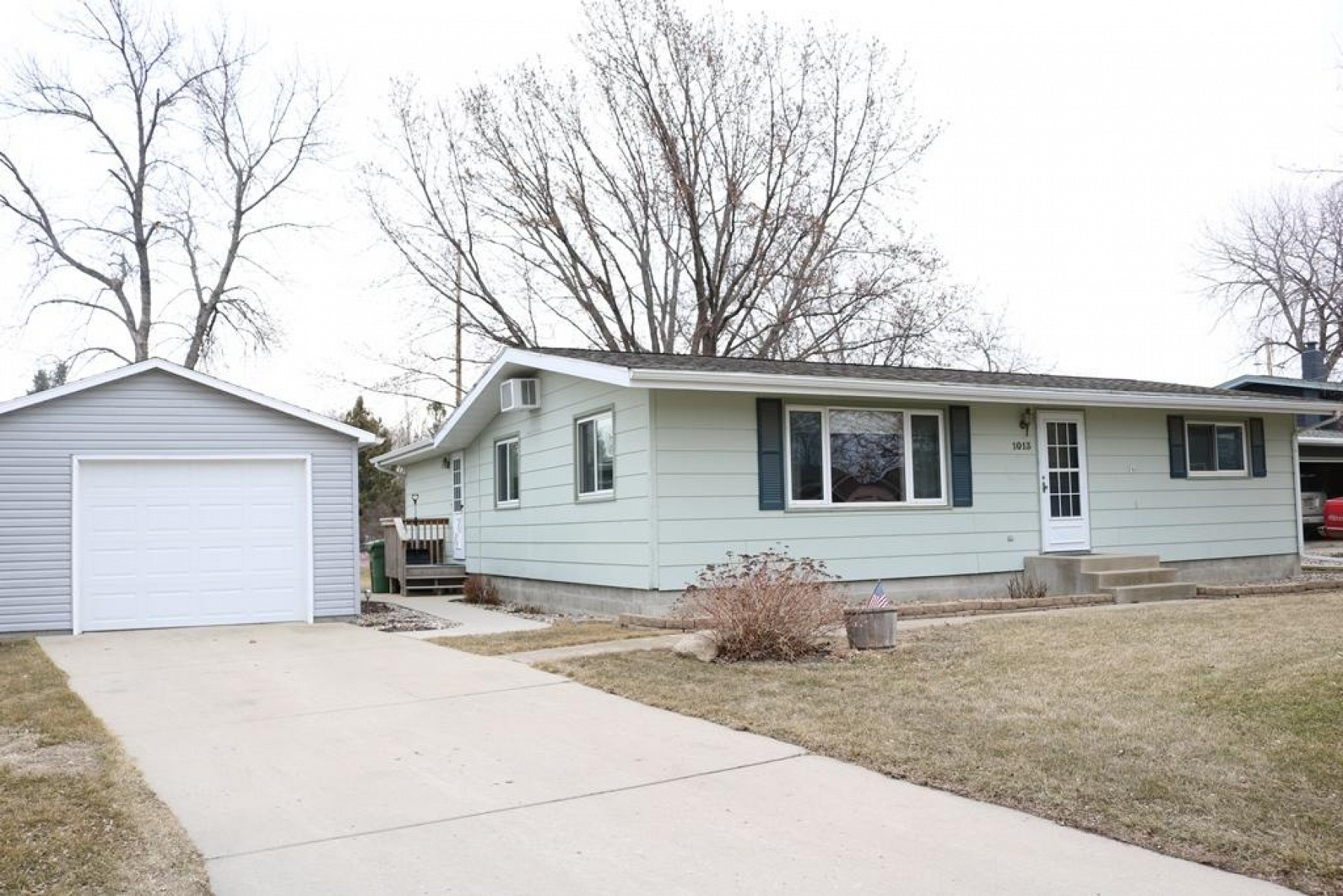 1013 Orchard Drive, Brookings, SD 57006