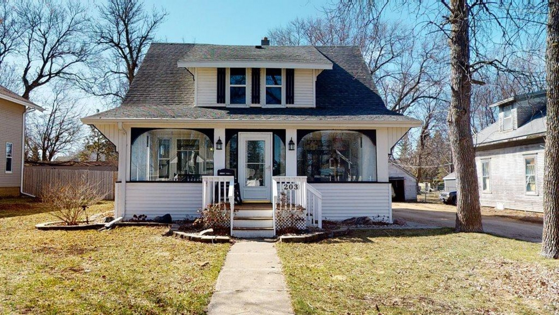 203 Main Street, White, SD 57276