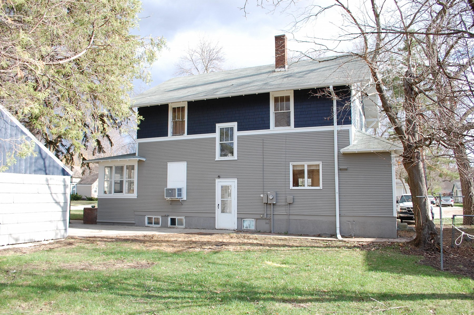 703 12th Avenue, Brookings, SD 57006
