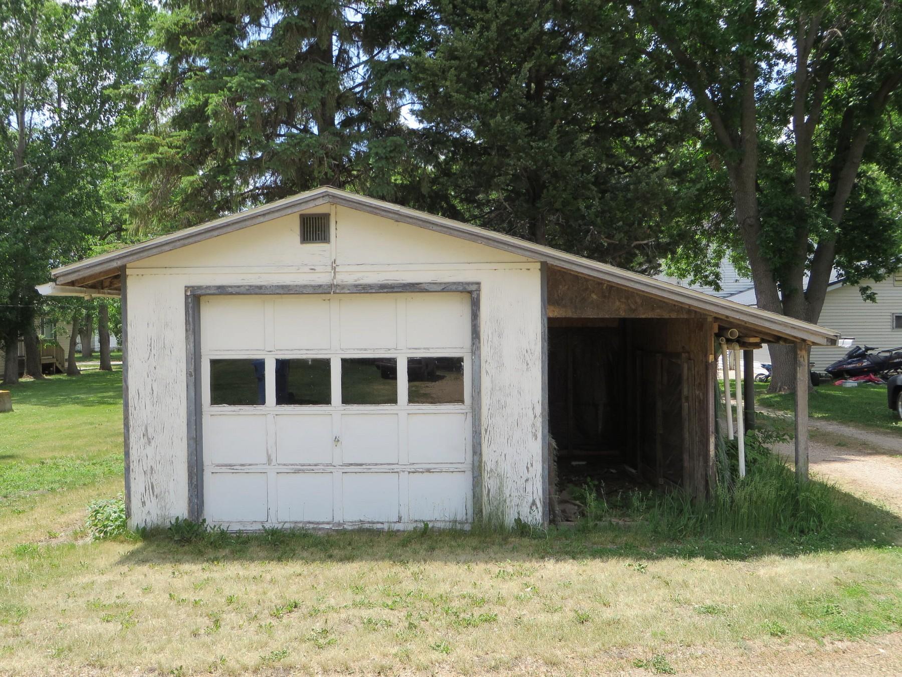 310 FremontAvenueN, Lake Preston, SD 57249