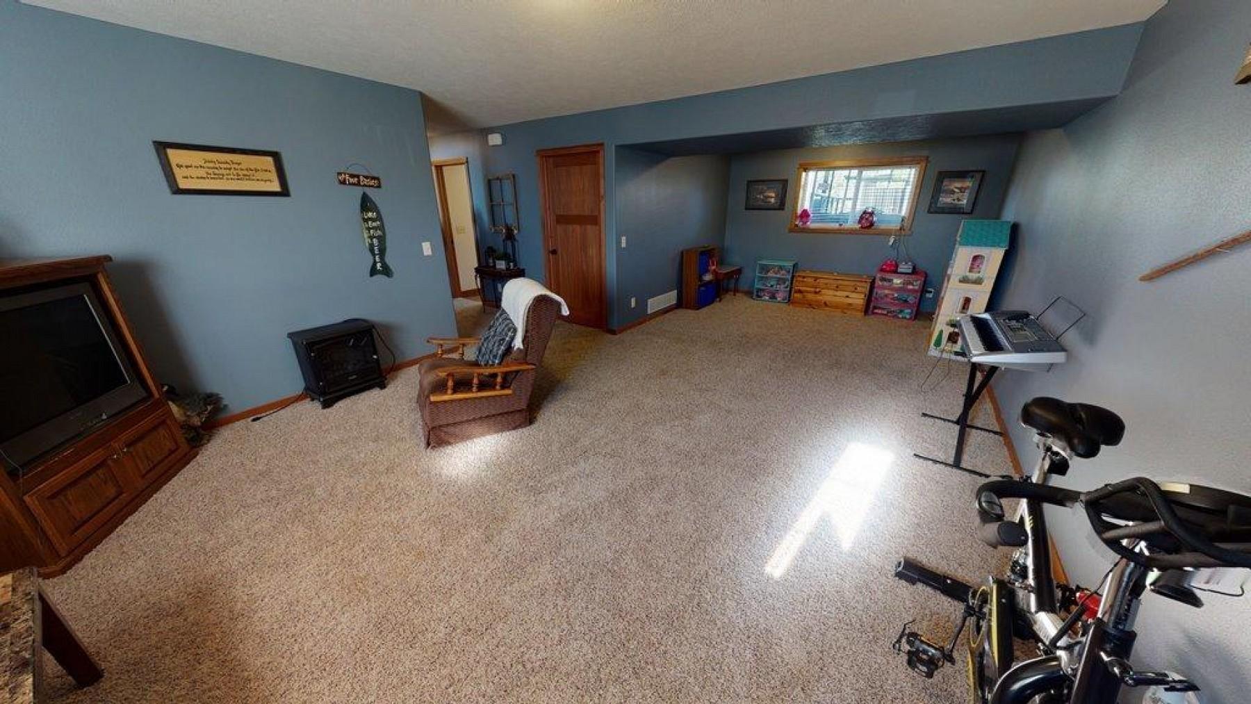 2305 BluegillAvenue, Brookings, SD 57006