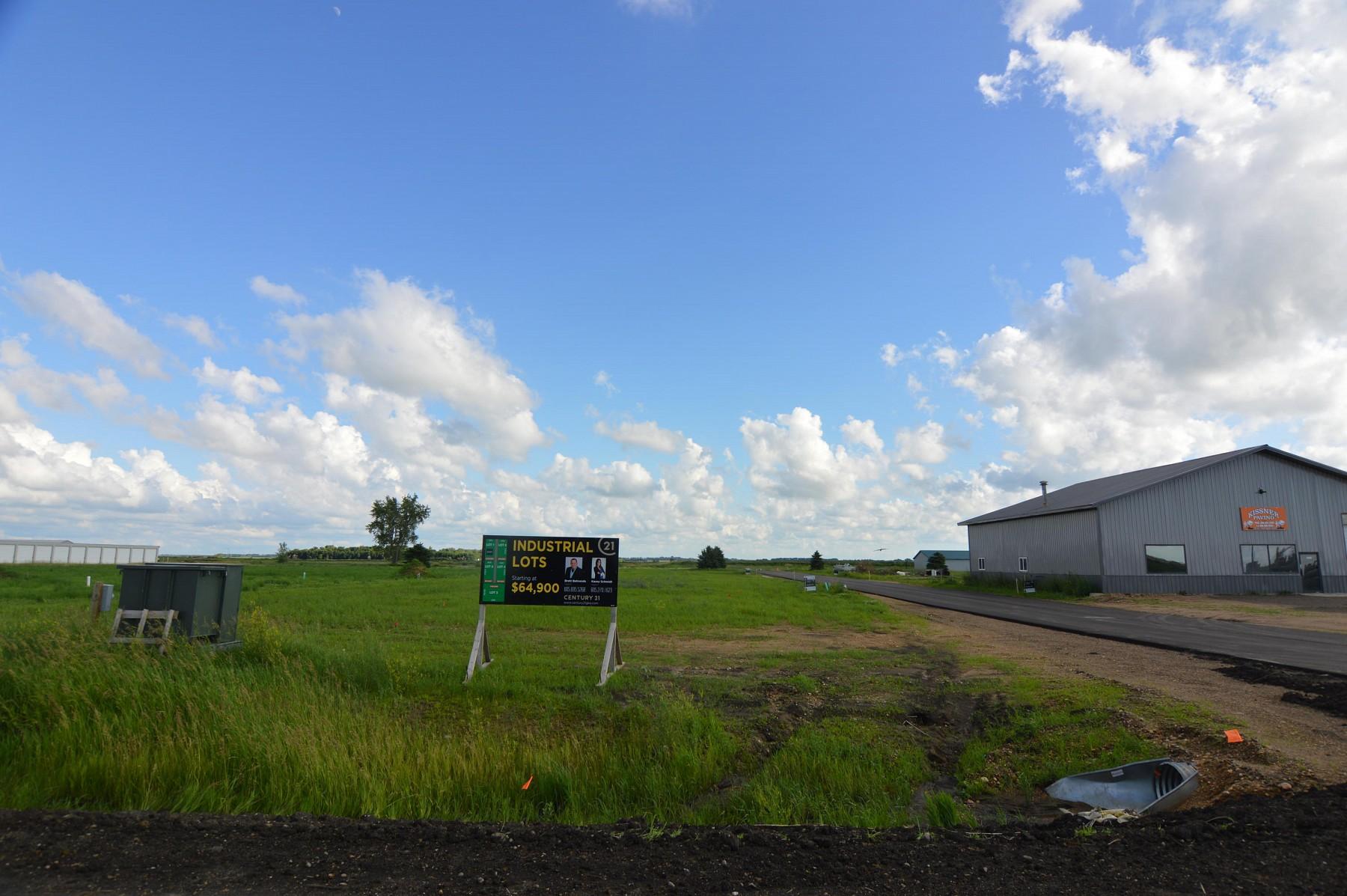 408 Redmond Rd, Aurora, SD 57002