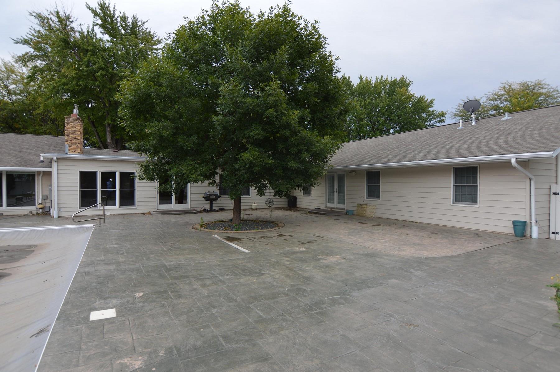 1733 IllinoisAvenueSW, Huron, SD 57350