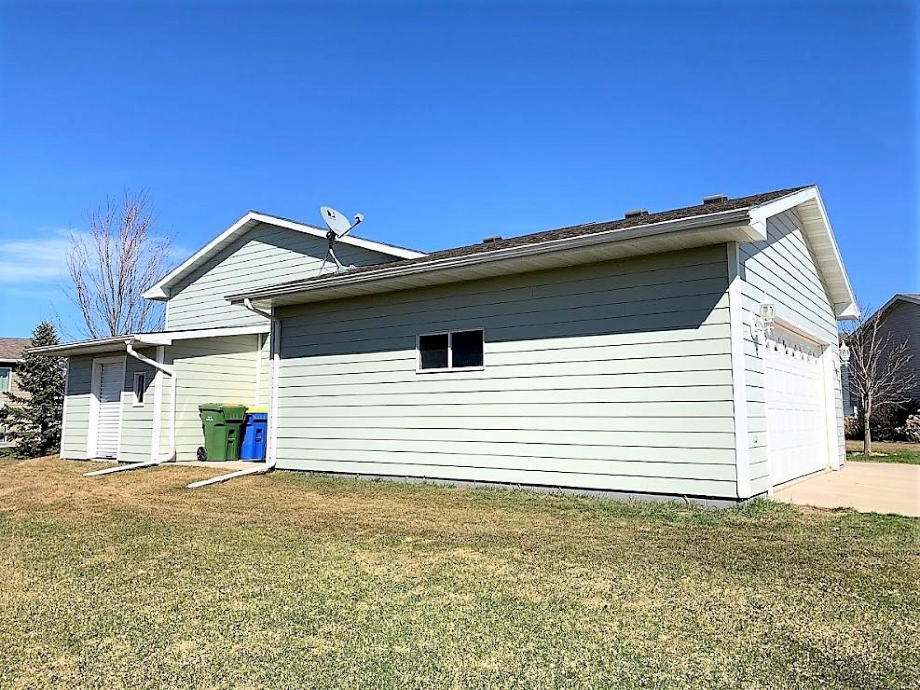 1811 Sawgrass Circle, Brookings, SD 57006