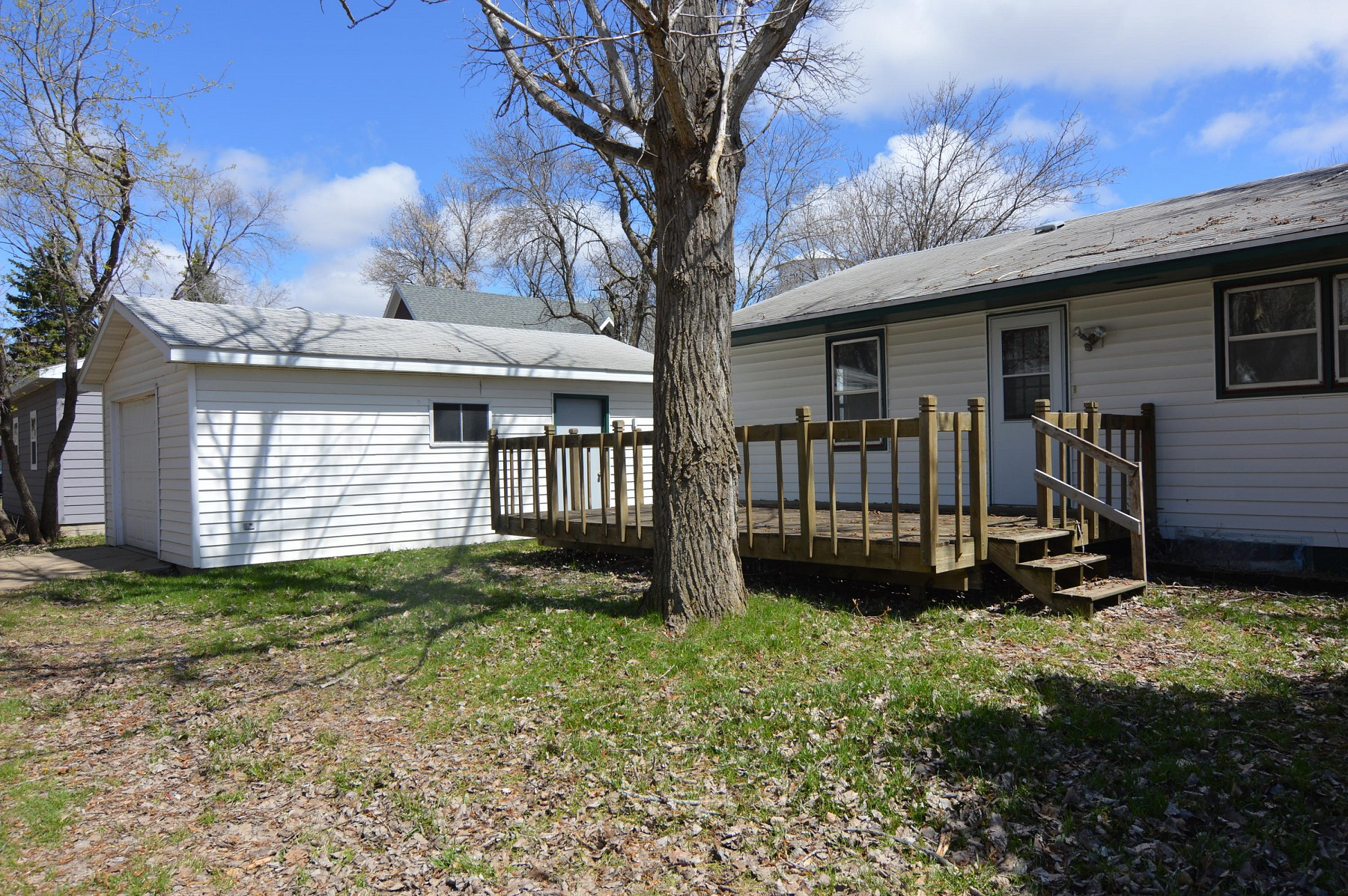 610 3rd Street NW, Madison, SD 57042