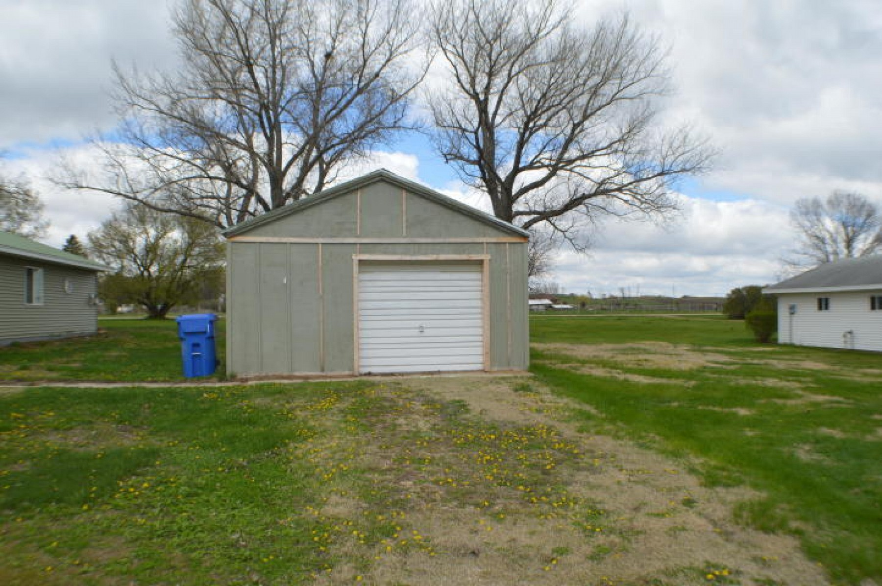 603 Davis Avenue E, Estelline, SD 57234