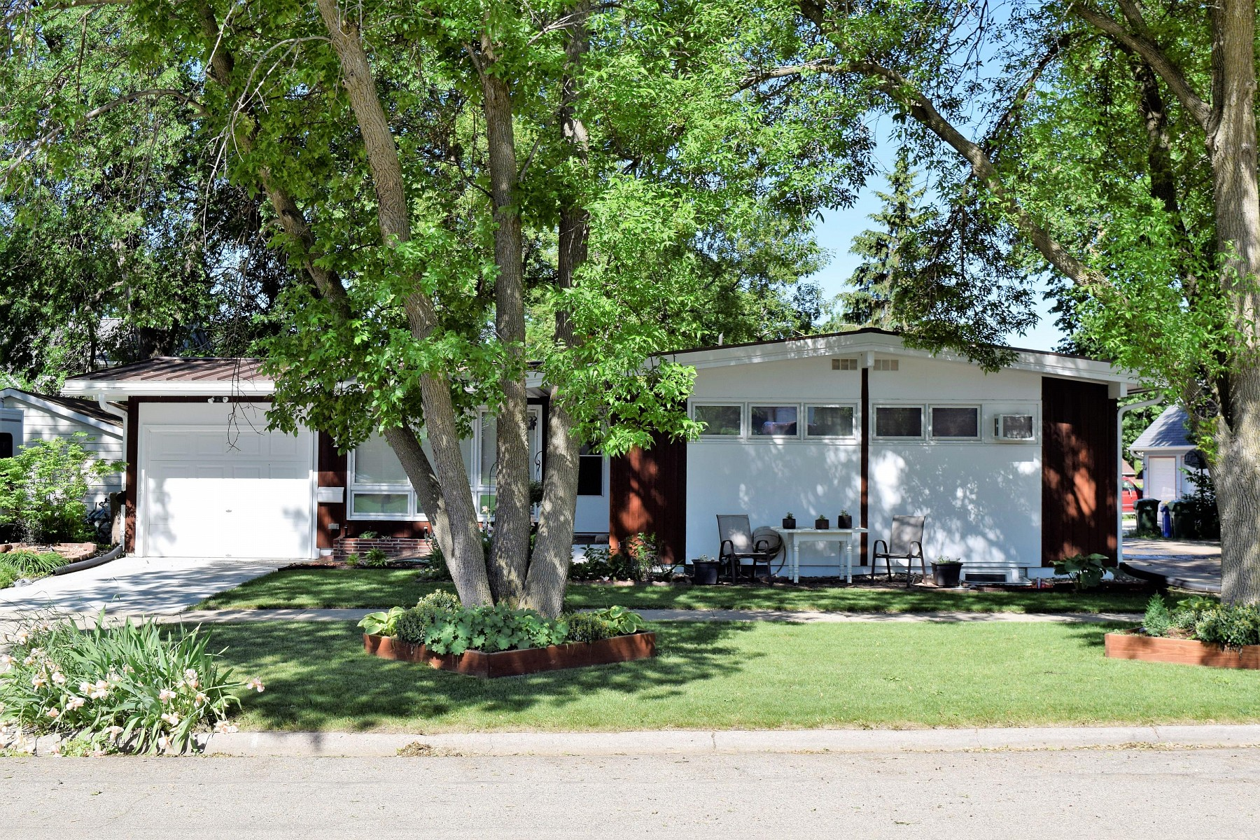 311 11th Avenue, Brookings, SD 57006