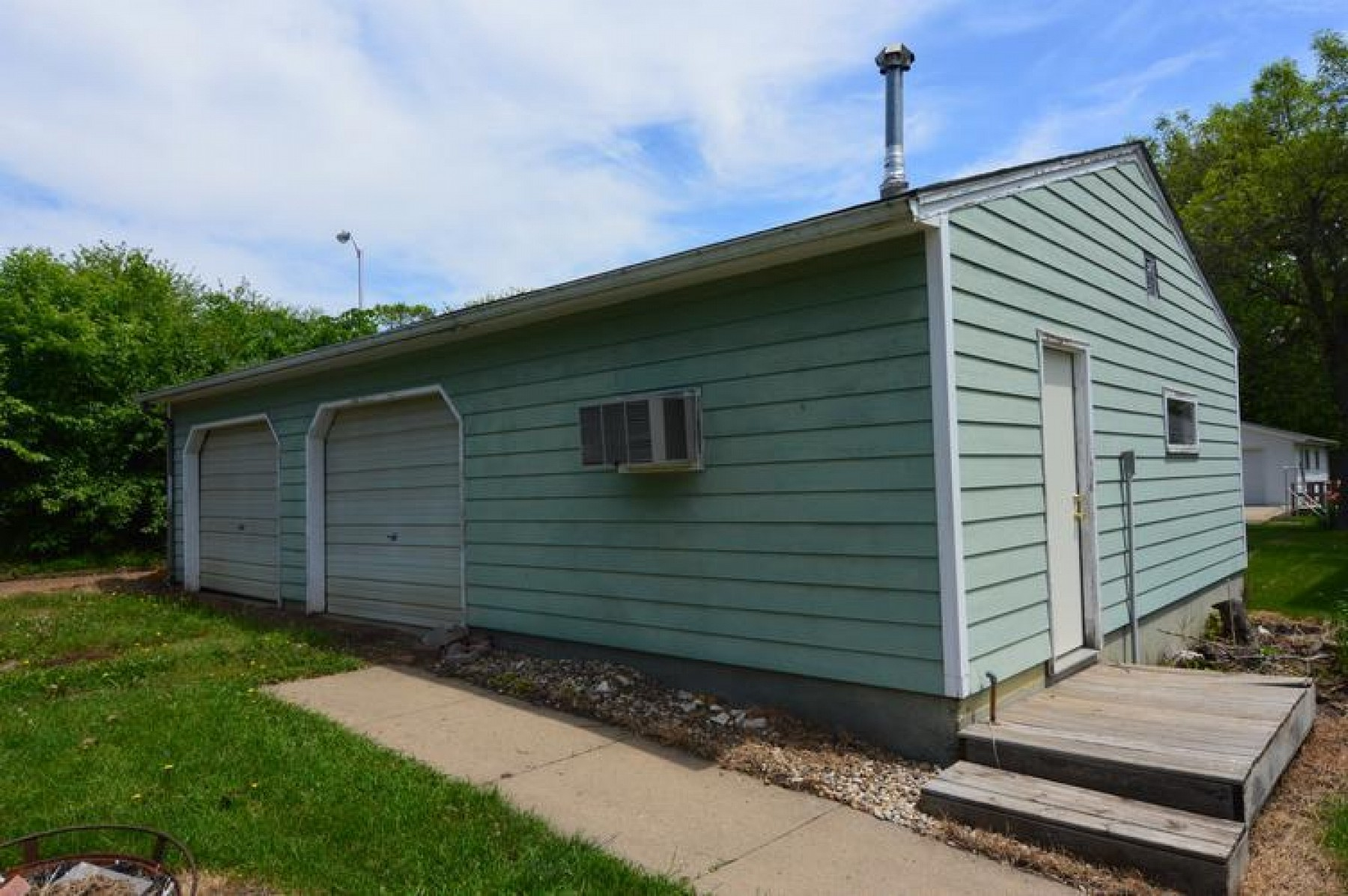 918 Center Street, Madison, SD 57042