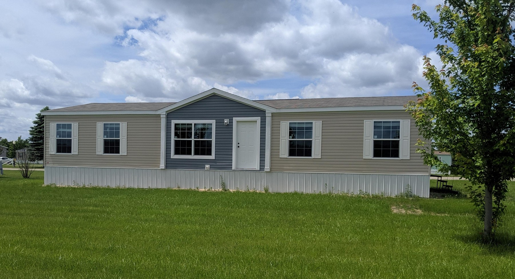 905 Tumbleweed Road, Brookings, SD 57006
