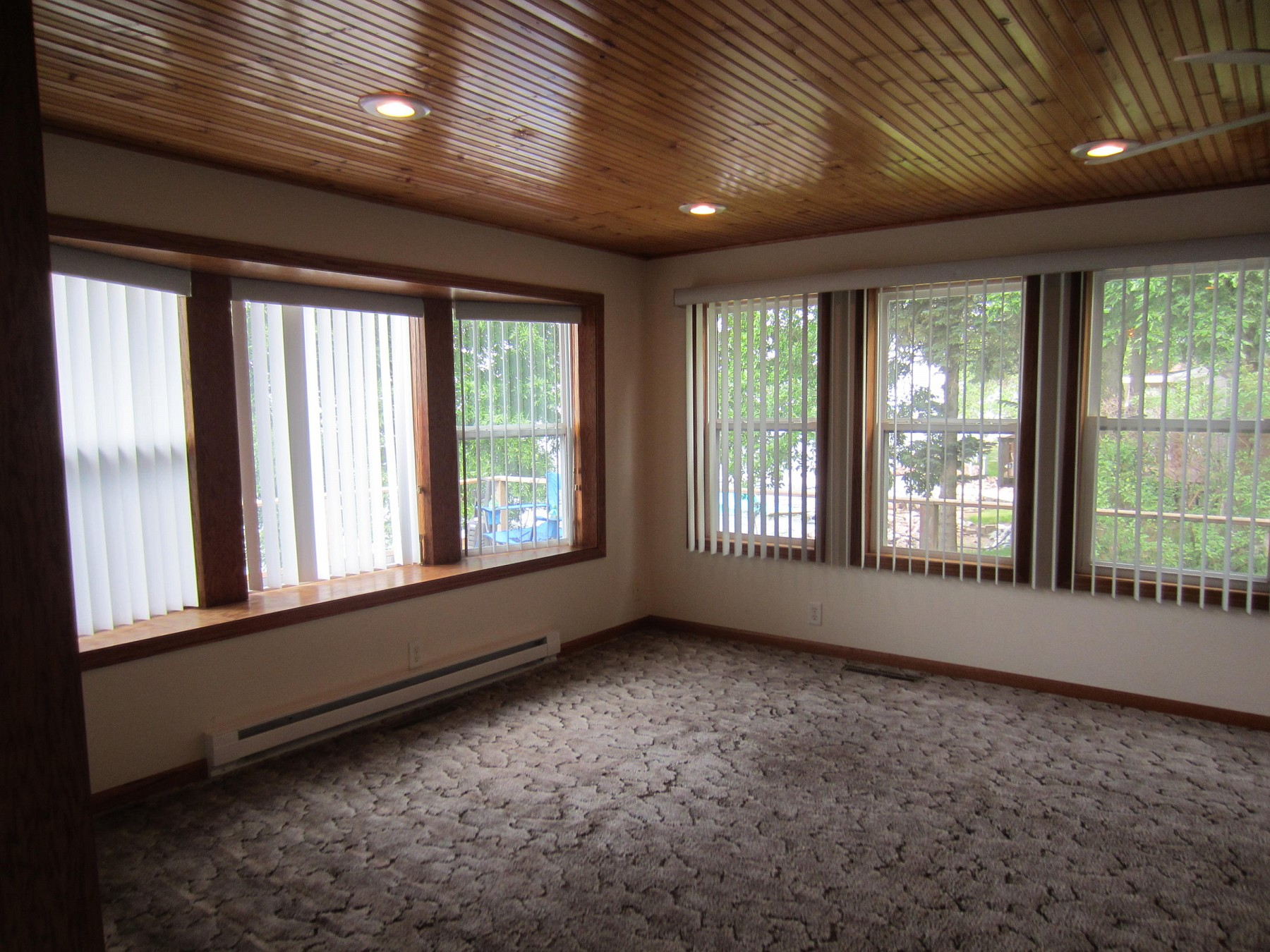 318 South LakeDrive, Lake Poinsett, SD 57212
