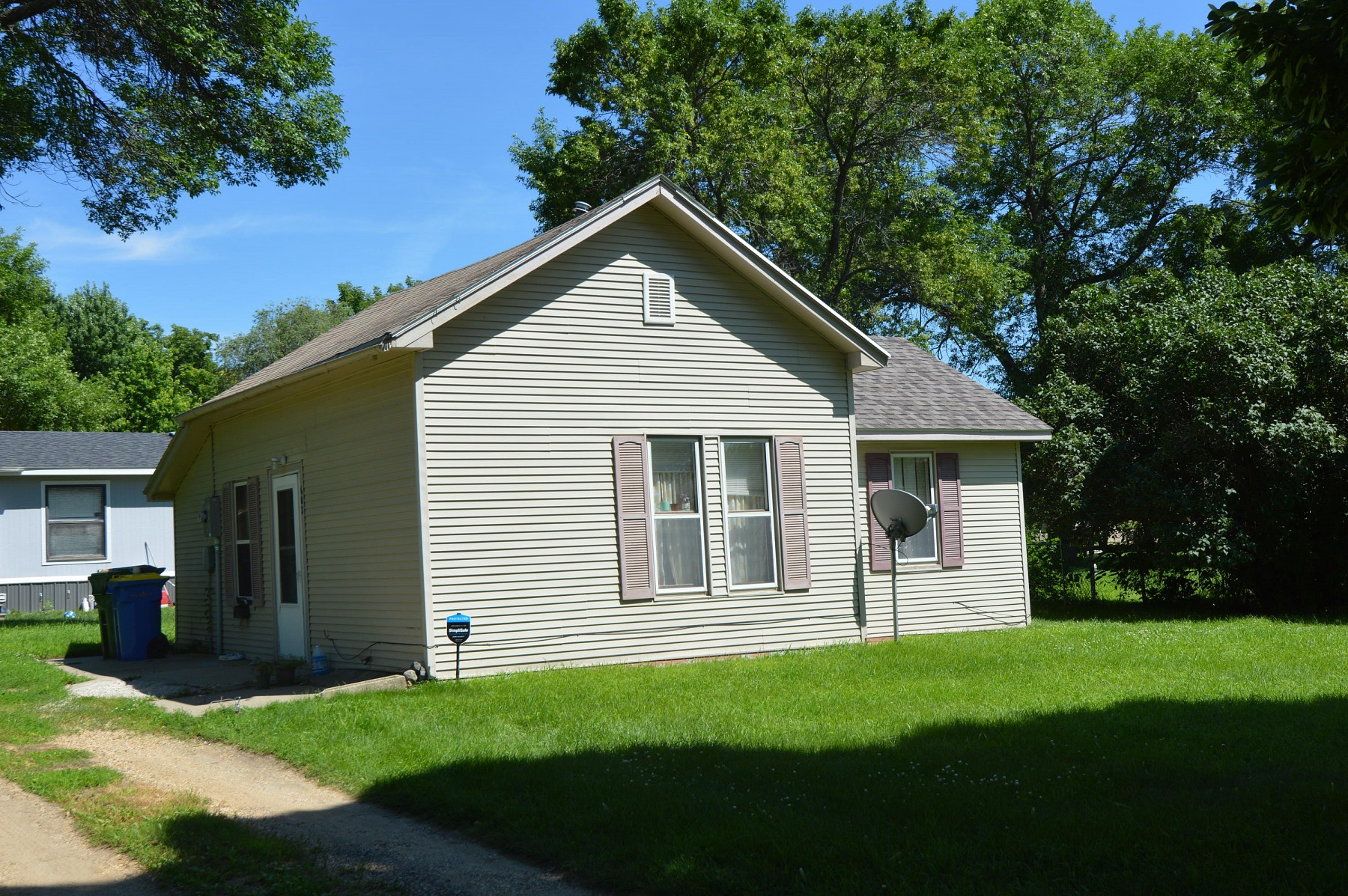 602 3rd Street S, Brookings, SD 57006