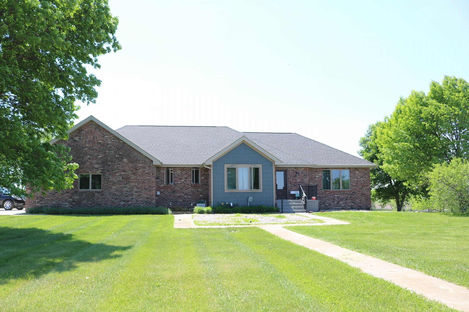 22083 471st Avenue, Brookings, SD 57006