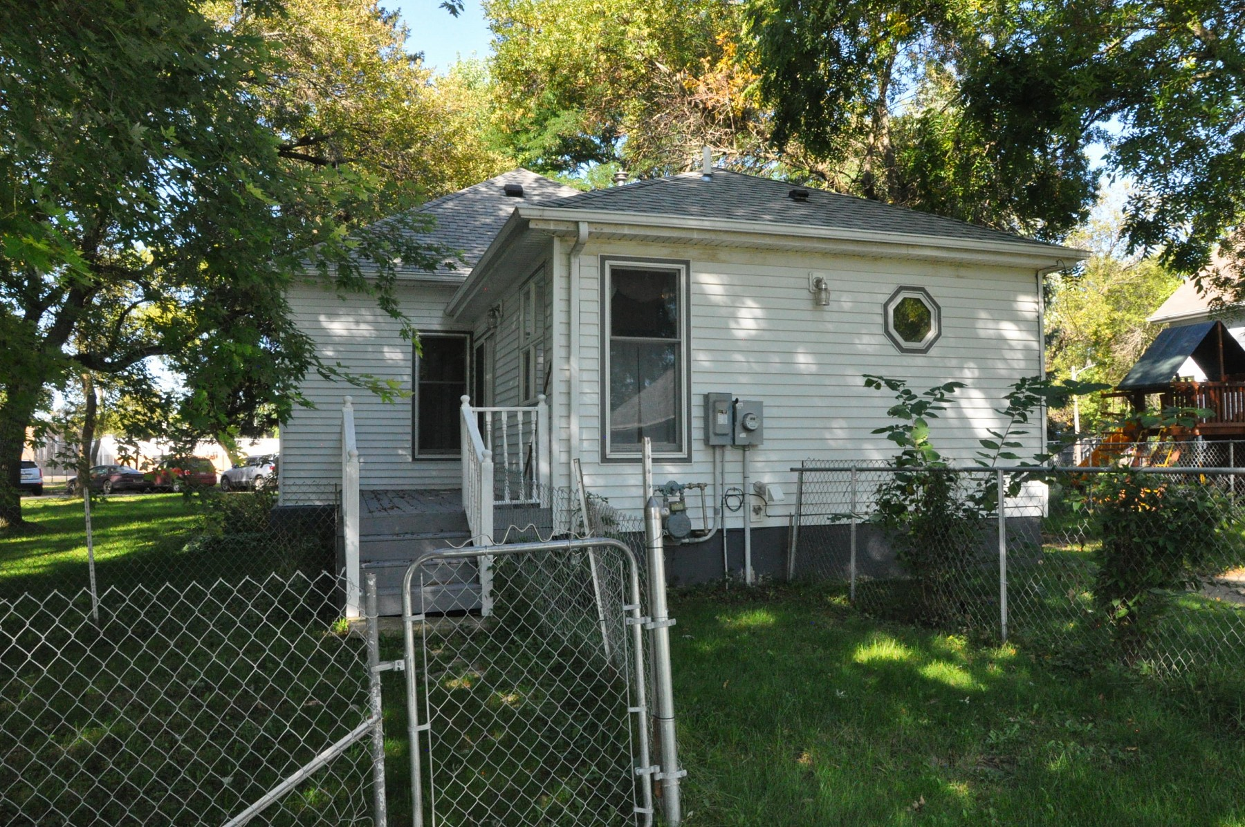 106 Spring Avenue N, Lake Preston, SD 57249